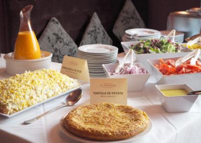 buffet tortilla ensaladilla